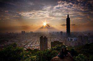 名勝風景 X 夜生活文化 X 台灣必嚐小吃 感受台灣兼容並蓄的文化,享受台灣特有的成功之美
